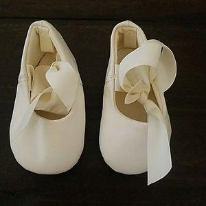 Size 1 ivory ballet flats
